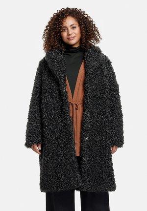 AUS KUSCHELIGEM - Winter coat - black