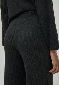 PULL&BEAR - Trousers - dark grey - 4