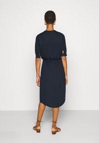 Selected Femme Tall - SLFMIE-DAMINA DRESS TALL - Day dress - dark sapphire - 2