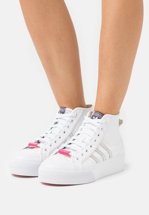 NIZZA PLATFORM MID - Baskets montantes - footwear white/true pink/core black