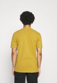 Minimum - SIMS - Camiseta básica - dried tobacco melange - 2