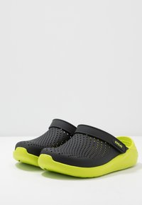 Crocs - LITERIDE - Clogs - black/lime punch - 2
