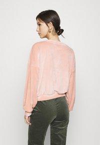 ONLY - ONLALVA - Sweatshirt - misty rose - 2