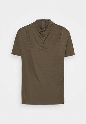 VOLONA - Basic T-shirt - kalamata