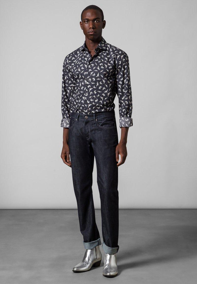 Baldessarini - 5-POCKET JACK - Straight leg jeans - dark blue rinsed