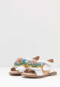 clic! - Sandales - blanco - 3