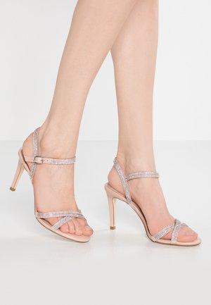 WIDE FIT MAGDALENA - Højhælede sandaletter / Højhælede sandaler - blush