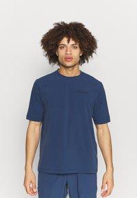 Peak Performance - TECH DRY TEE - Basic T-shirt - stone veil - 0