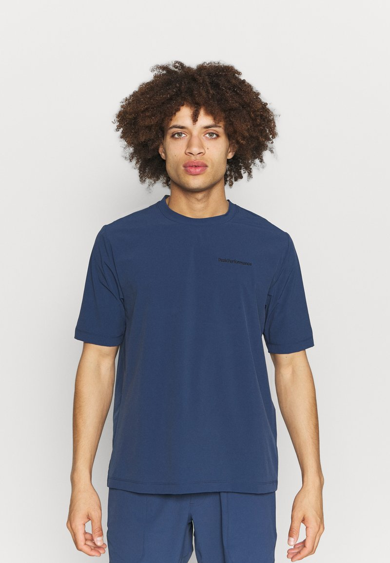 Peak Performance - TECH DRY TEE - Basic T-shirt - stone veil