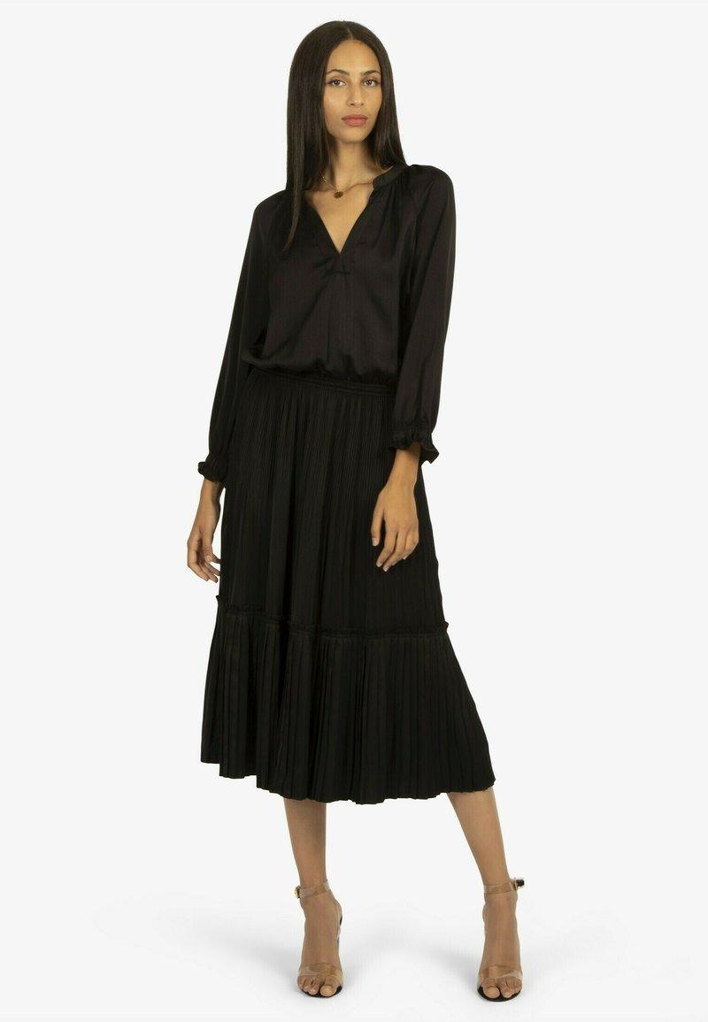 Apart - Jumper dress - schwarz