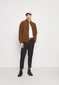 Banana Republic - BUTTON JACKET - Fleece jacket - bronze brown - 1