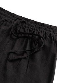 OYSHO - Shorts - black - 5