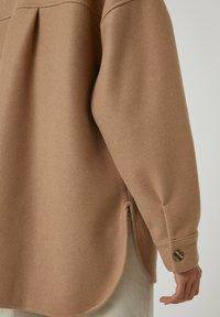 PULL&BEAR - Button-down blouse - brown - 5