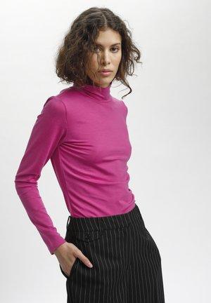 ISOLDEKB  - Basic T-shirt - very berry