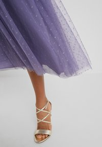 Needle & Thread - HONEYCOMBE SMOCKED BALLERINA SKIRT - A-Linien-Rock - bluebell - 5