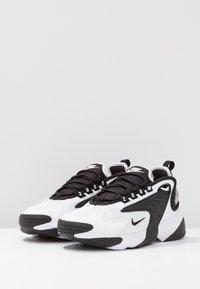 Nike Sportswear - ZOOM 2K - Zapatillas - white/black - 2