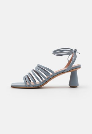 ESTRELLA - Sandali - light grey