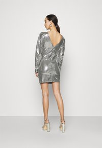 Gina Tricot - AUGUSTA SEQUINS DRESS EXCLUSIVE - Cocktail dress / Party dress - silver - 2
