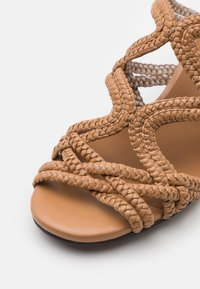 See by Chloé - KATIE MULE - Pantofle - light pastelbrown - 6
