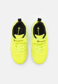 Champion - LOW CUT SHOE SPRINT UNISEX - Sportschoenen - neon yellow - 3