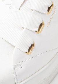GANT - AVONA - Sneakersy niskie - bright white - 2