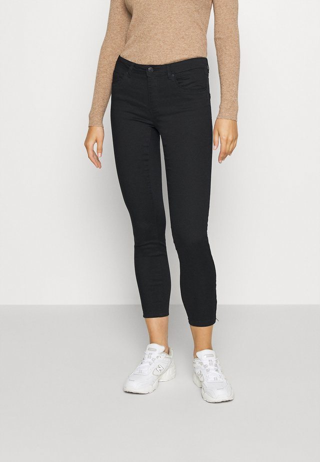 VMTANYA PIPING ZIP - Jeans Skinny Fit - black