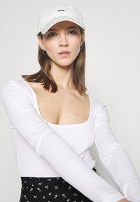 Even&Odd - 2 PACK - Long sleeved top - black/white - 4