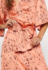 Twist & Tango - NELLIE DRESS - Denní šaty - peach - 4
