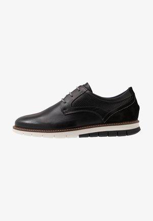 MATHEUS - Sznurowane obuwie sportowe - black