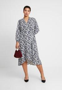 Lauren Ralph Lauren Woman - URANYA LONG SLEEVE CASUAL DRESS - Jersey dress - navy/pale cream - 2