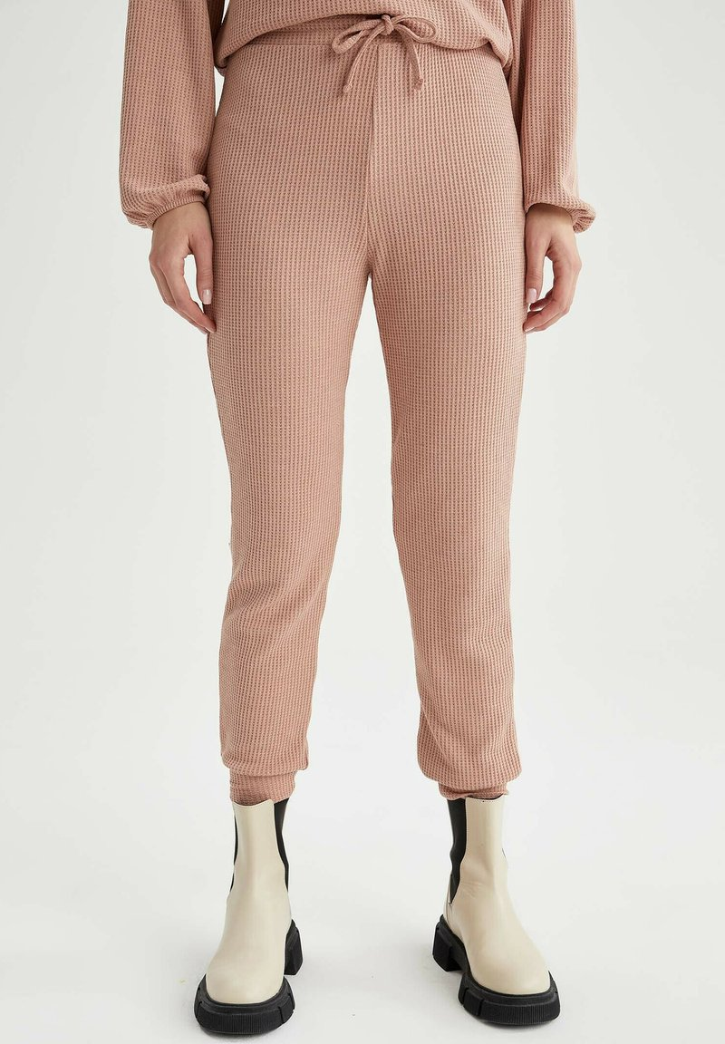 DeFacto - Pantaloni sportivi - pink