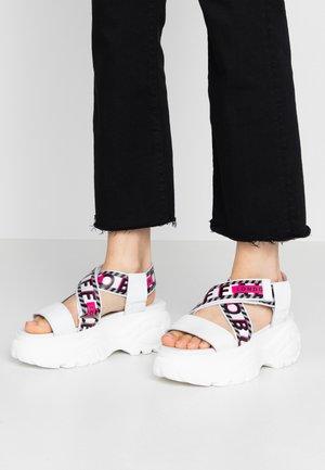 BO - Sandály na platformě - white