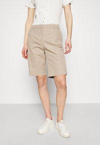 Marks & Spencer London - CHINO - Shorts - camel - 0