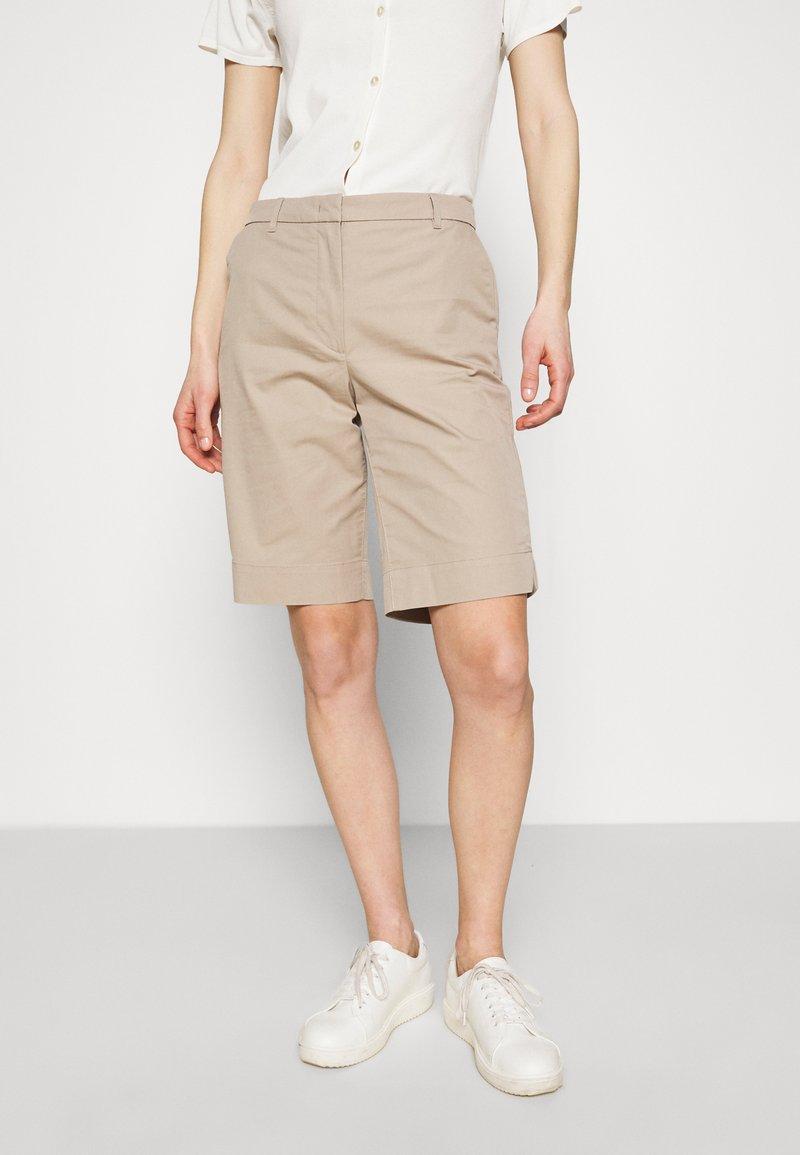 Marks & Spencer London - CHINO - Shorts - camel