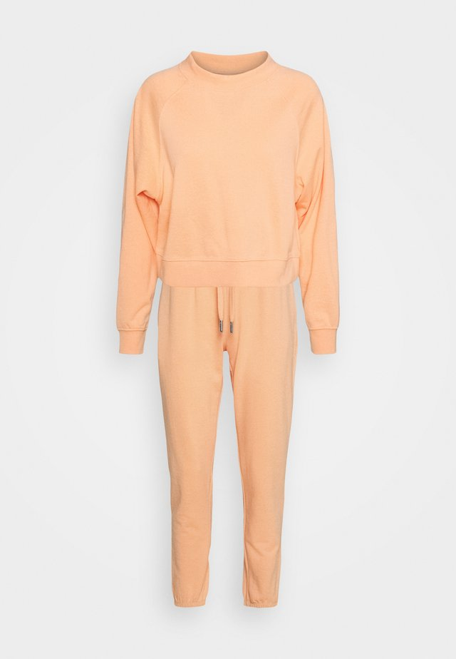 ONLZOEY LIFE SET - Bluza - coral sands