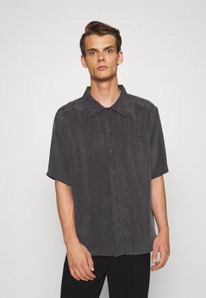 GRANDPA COOL VEGAN SHIRT SHORT SLEEVED - Shirt - charcoal
