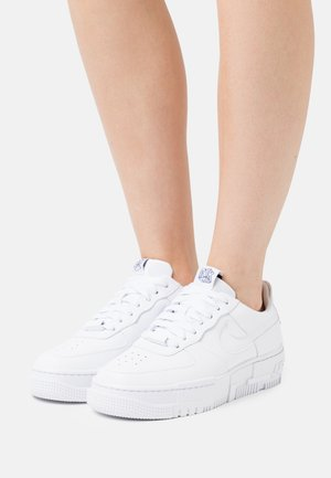 AF1 PIXEL - Trainers - white/black/sail