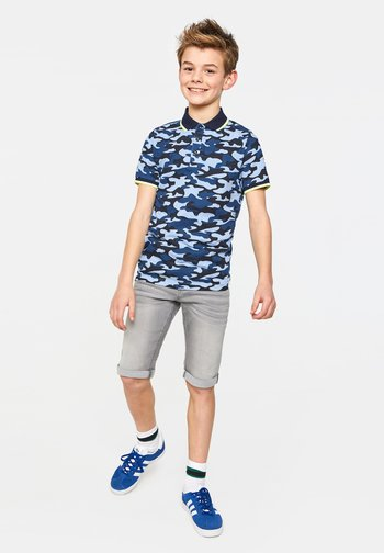 WE FASHION JONGENS SLIM FIT DENIMSHORT - Denim shorts - light grey