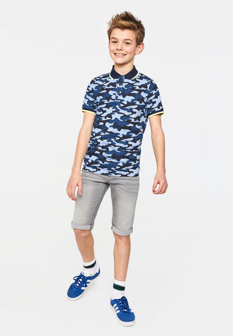 WE Fashion - WE FASHION JONGENS SLIM FIT DENIMSHORT - Jeansshort - light grey