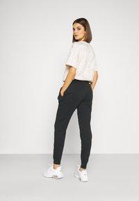 Nike Sportswear - PANT - Teplákové kalhoty - black - 2