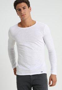 Key Largo - CHEESE - Maglietta a manica lunga - white - 0