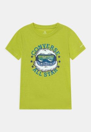 LINTICULAR YETI TEE - T-shirt con stampa - lime twist