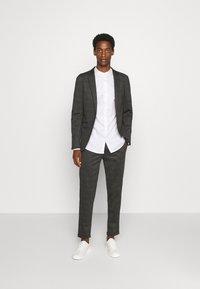 Selected Homme - SLHSLIMMARK  - Zakelijk overhemd - bright white - 1