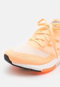 adidas Performance - ULTRABOOST 21 - Zapatillas de running neutras - aciora/footwear white/white - 5