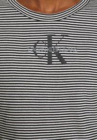 Calvin Klein Jeans - MONOGRAM STRIPE BABY - Print T-shirt - bright white - 5