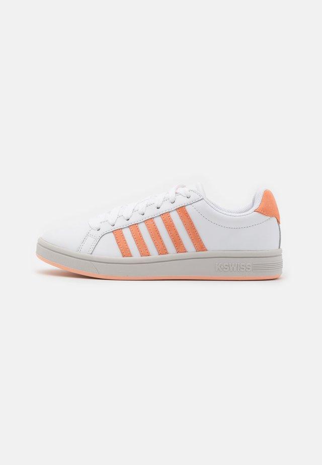 COURT TIEBREAK - Baskets basses - white/peach nectar