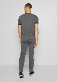 CLOSURE London - BAND STRIPE JOGGER - Tracksuit bottoms - grey - 2