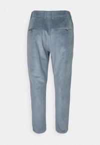 DRYKORN - CARE - Chino kalhoty - blau - 1