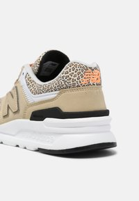 New Balance - CW997 - Trainers - incense - 5