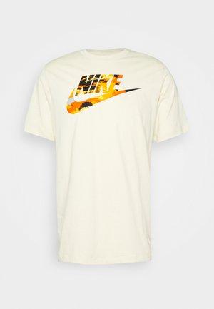 TREND SPIKE TEE - Print T-shirt - beige